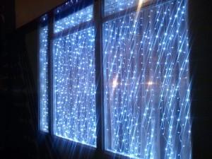 Световая завеса для украшения дома