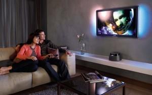 Пара у телевизора