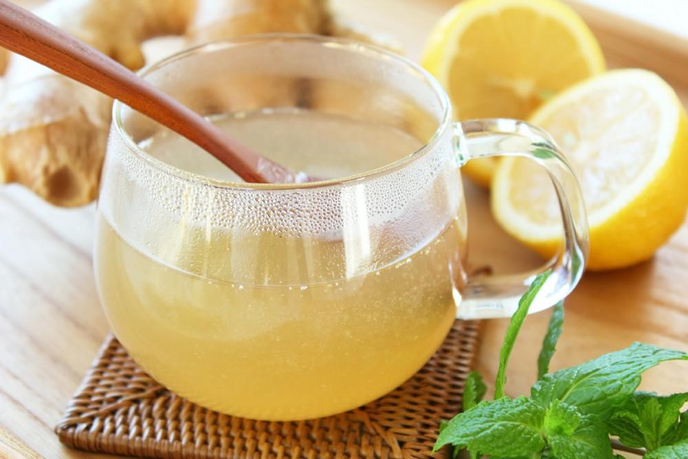 Chem-polezen-limonnyj-sok-1
